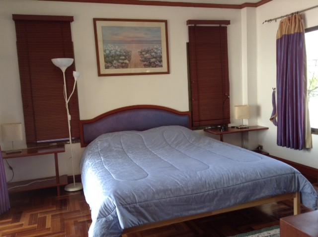 accommodation for family in hat chao samran