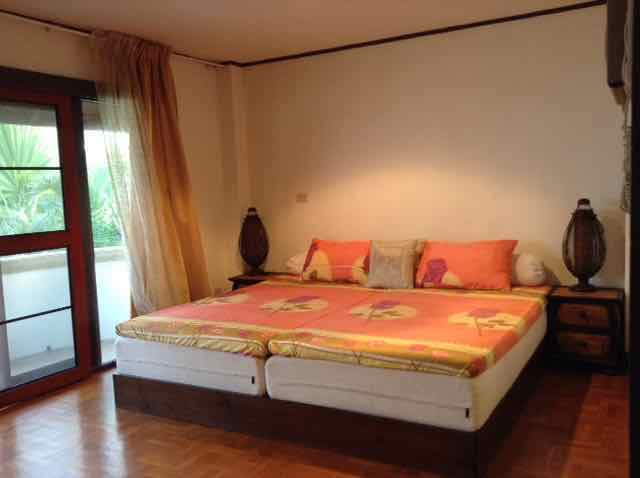 rent holiday houses thailand