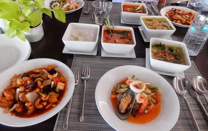 thai cooking class haad chao samran